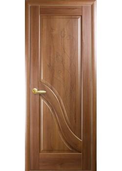 Двері Амата ПГ з гравіровкою зол. вільха Новий Стиль